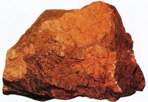 Erdbrandgestein, durch einen natürlichen Flözbrand entstanden (1. Lausitzer Flözhorizont, Römerkeller bei Kostebrau)