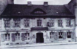 Abb. 7: In diesem Gebäude Sandower Str. 22 wurden 1908 erstmals alle Vereinssammlungen und die Städtische Sammlung unter einem Dach vereint.