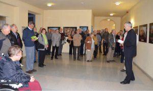 """Abb. 5: Eröffnung der NVN-Ausstellung """"Leichhardts Landschaften"""" im Cottbuser Rathaus im Leichhardt-Jahr 2013. - Foto: I. Zachow"""